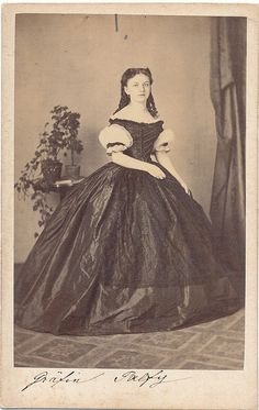 an amazing gown 1860s