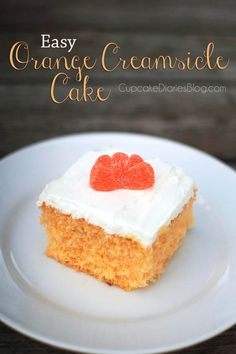 Easy Orange Creamsicle Cake #cake #orangecreamsicle | CupcakeDiariesBlog.com
