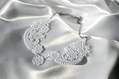 Queen Anne's Lace BRIDAL NECKLACE Vintage Inspired  by ktimages