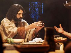 Free Bible images of Jesus at the last supper with His disciples.