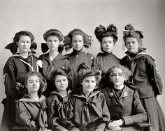 Gunston Girls: 1905