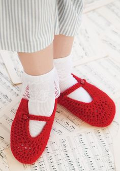 Ruby Red Slippers | crochet today