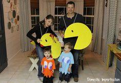 Family costumes / Disfraces en familia