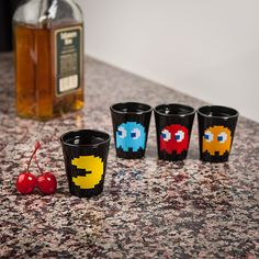 geeki, geek stuff, glasses, pac man, shot glass, thinkgeek pacman, glass 4pack, gift idea, pacman shot