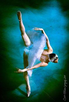 "Photo Gallery: Viktoria Tereshkina and Vladimir Shklyarov, ""Swan Lake"", Mariinsky Ballet at Baden Baden, Germany / 2013 - Photographer Sasha Gouliaev - http://balletthebestphotographs.wordpress.com/2014/01/10/viktoria-tereshkina-and-vladimir-shklyarov-3/"