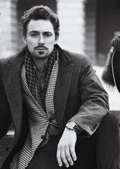JJ Feild - I swear he could pass for Tom Hiddleston's brother.