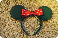 Occasionally Crafty: DIY Christmas Mickey or Minnie Mouse Ears!