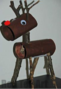 What a cute recycled Christmas craft! This reindeer is made from toilet paper rolls.