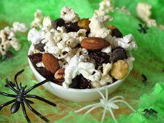 Popcorn Trail Mix l Weelicious