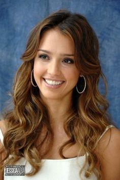 Love Jessica Albas hair