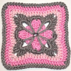 I AM...CRAFTY!: Hooked on Granny Squares free crochet pattern - beautiful granny square!