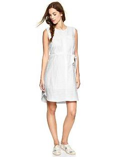 Double-pocket shirtdress. Double as a nursing dress?