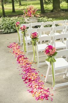 What a great aisle! // // Photo by: http://www.douglasbenedict.com
