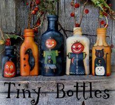 holiday, bottle crafts, halloween bottl, craft bottl, tini bottl, painted bottles, tiny bottle ideas, bottl craft, paint bottl