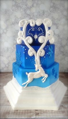 Reindeer Holiday Wedding - Cake Central Volume 4 Issue 12 - by CakeHeart @ CakesDecor.com - cake decorating website