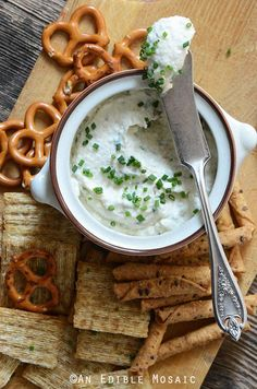 Healthy Roasted Garlic and Chive Cottage Cheese Crema Recipe #appetizers