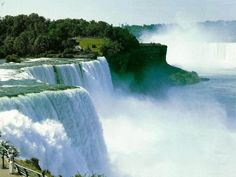 Niagra Falls...went there this year, my favorite place EVER, & it REALLY does look EXACTLY like this!!