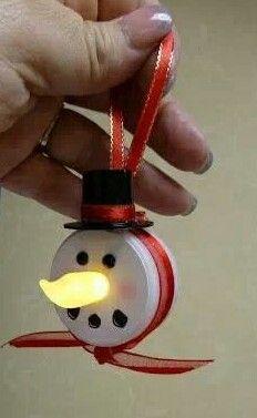 DIY snowman light ornament! HEY I ALREADY HAVE THESE LIGHTS!!!!!