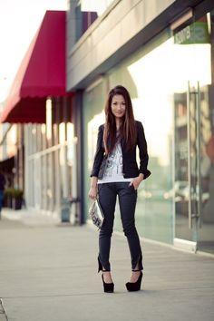 Wendy from Wendy's Lookbook wearing Sam Edelman shoes