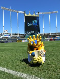 Even Sluggerrr is reading True Grit! @The Big Read http://kcbigread.org #KansasCityRoyals #KansasCity #Royals true grit