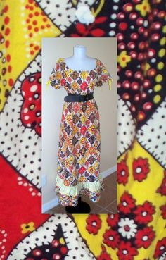 Adorable 70s Vintage off shoulder or up  hippie by MrIdahosVintage, $12.00