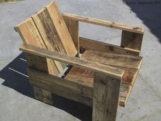 Making a chair from discarded pallets - SURVIVE FRANCE NETWORK