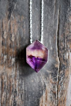 Violet Melody pendent