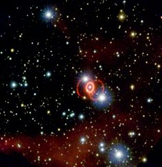 A Three-Ringed Circus   ESA/Hubble