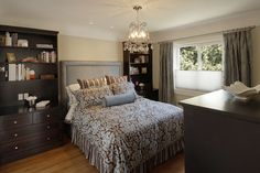 Small master bedroom decorating