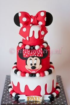 Minnie mouse cake By Silly Bakery