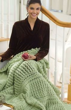 Cluster Lace Throw Free Crochet Pattern from Red Heart Yarns