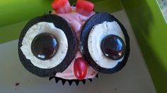 Crystal P. made these Oreo Valentine's Day cupcakes and shared them on Facebook. Would you like to get these from that special someone?