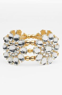 In love with this sparkly floral bracelet.