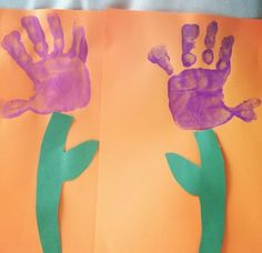 A fun Spring art project where the students in one KinderCare class created a flower using their hand print.