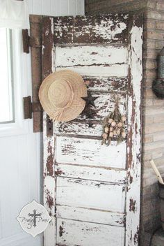 Featured at Knick of Time Tuesday - http://knickoftimeinteriors.blogspot.com/2013/09/knick-of-time-tuesday-102.html  Prodigal Pieces: Old Chippy Door Turned Into Fabulous Decor