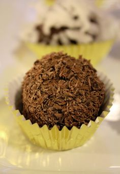 Seriously easy Chocolate Truffle Recipe perfect for the holidays! #KraftEssentials #Shop #Cbias