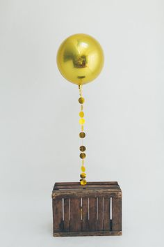 Gold orb Balloon