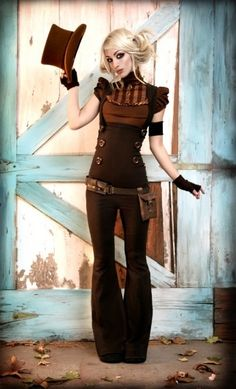 A fantastic Steampunk look for women that could work for daily wear.