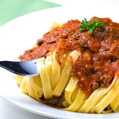 Bolognese Sauce - Serve with Fettucini or Spaghetti or pasta of your choice.Fantastic easy make ahead meal when entertaining. Serve with homemade garlic bread and a salad. �