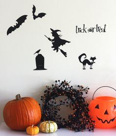We love these simple vinyl cutouts for Halloween, using the Cricut by Catch My Party!