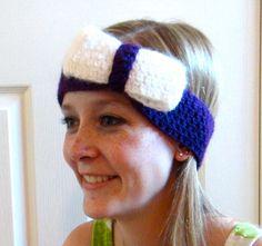 Such a cute crochet headband! Love the bow!