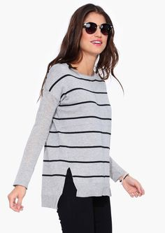 Knit Whit Sweater in Grey//
