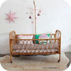 chambr enfant, crib, petit parc, vintage wood, mobil, nursery decor, babi, kid room, lit bébé