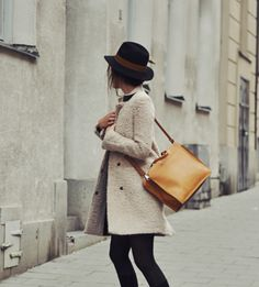jacket, outfits, fashion, winter, fall looks, street styles, leather bags, coats, hat