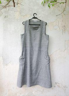 grey apron; linen