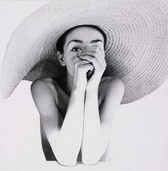 straw hats, black white photography, pina bausch, sun protection, fashion blogs