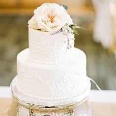 Elegant Floral and Lattice Wedding Cake