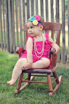 I <3 this pic - child baby girl portrait photography vintage