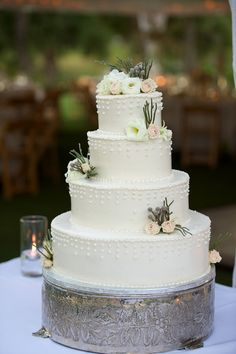 Simple and lovely! #weddingcake {Photo: Hopkins Studios, Cake: Cakes by Lou}