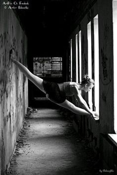 dance: person who finds random places to do splits